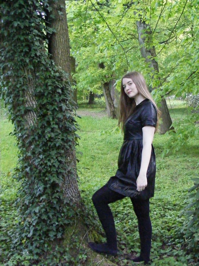 Czarna skórkowa sukienka SheIn