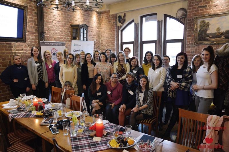 Wspólne zdjęcie większości osób zaangażowanych w Spotkanie Świadomych Blogerek :)
