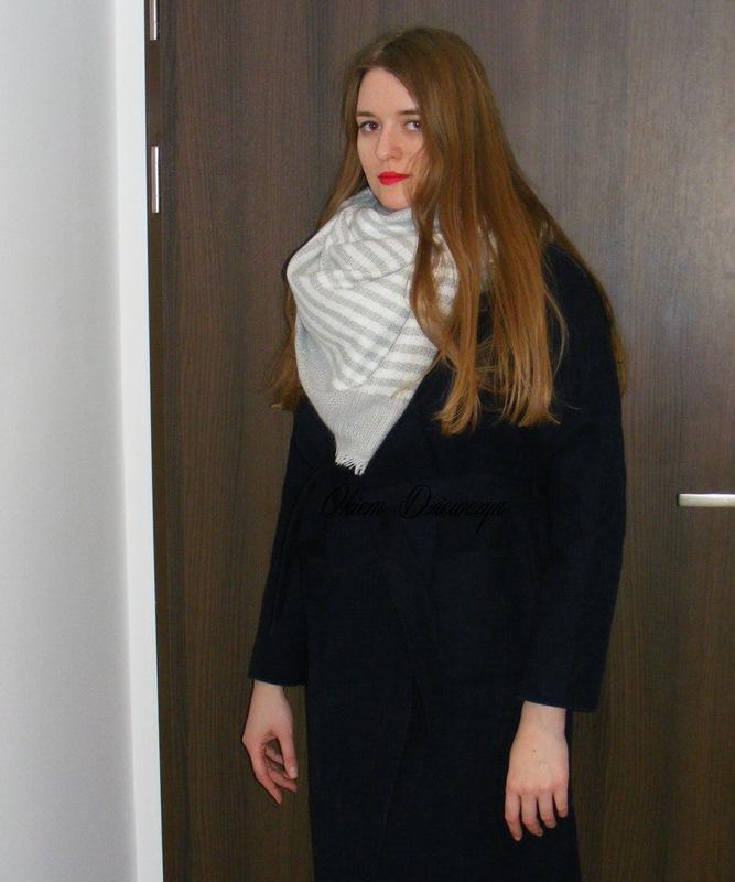 Granatowy płaszcz SheIn